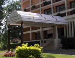 couverture de terrasse gallery of pergola en aluminium couverture coulissante en toile pvc id. Black Bedroom Furniture Sets. Home Design Ideas
